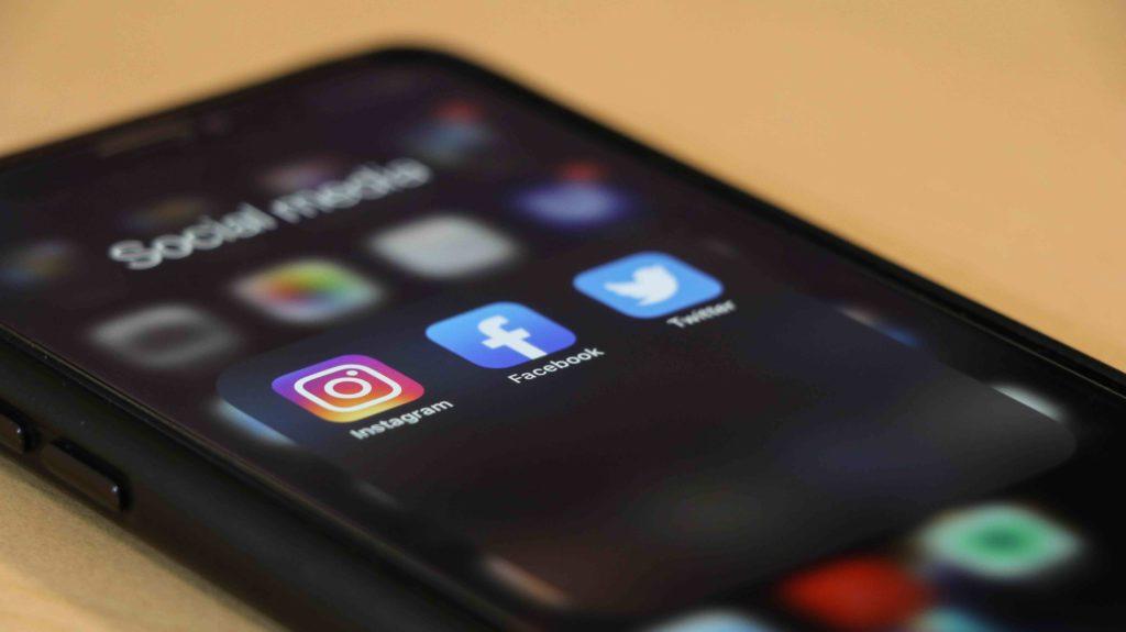 Social Media Vor und Nachteile